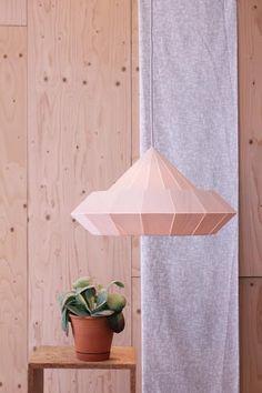 NEW: Woodpecker lamp from birch wood veneer par nellianna sur Etsy