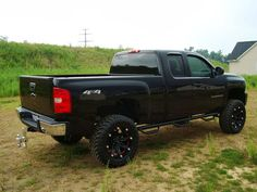 """Chev GMC Truck Fanatics @GMCGuys twitter Collection of lifted """"Chevys"""" Trucks"""