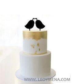 Love bird cake etsy ideas for 2019 Wooden Bird Feeders, Diy Bird Feeder, Bird Cake Toppers, Wedding Cake Toppers, Unique Wedding Cakes, Rustic Wedding, Stone Bird Baths, Hummingbird Nest Ranch, Bird Houses Painted