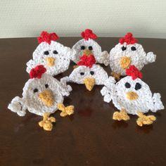 Påske pynt, 6 skøre høns, lavet af bomuldsgarn, måler ca 7 x 8 cm. 60kr Myjola.dk