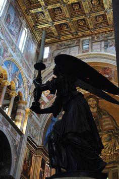 5 atrações imperdíveis na Toscana - Estátua na Catedral de Pisa