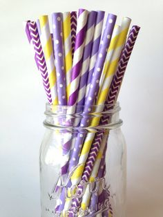 A beautiful assortment of purple, lavender and yellow striped and printed straws. Complete your Rapunzel party decor with this cute mix of
