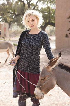 Gudrun Sjödéns Herbstkollektion 2014 - Das Shirt Höna ist in den Farben Rost, Aubergine und Schwarz erhätlich. Mehr unter: http://www.gudrunsjoeden.de/Pullover-Shirts--40077d.html