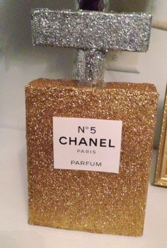 diy chanel home decor   Chanel No 5 Room Decoration
