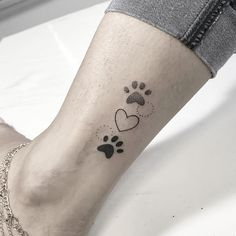New Tattoo Ankle Dog Ideas Ideas Ankle Tattoos, Dog Tattoos, Mini Tattoos, Trendy Tattoos, Animal Tattoos, Cute Tattoos, Body Art Tattoos, Small Tattoos, Tattoos For Guys