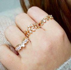 Waekura bijoux - Bracelets plaqué or 18 carats délicats et fins Plaque, Bracelets, Latest Trends, Wedding Rings, Jewels, Engagement Rings, Handbags, Store, Jewellery