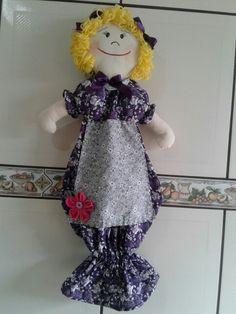 Puxa saco boneca de tecido.