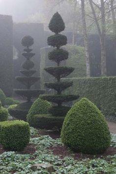 Topiary - Château et jardins de la Ballue