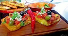 Gosia gotuje: Tosty francuskie z salsą pomidorową, oliwkami i fe...
