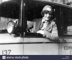 Female Driver 1920s High Resolution Stock Photography and Images - Alamy Philadelphia, Boat Companies, Monte Carlo Rally, Big Six, Spring Racing, Vintage Sports Cars, Girl Standing, Taxi Driver, Historical Pictures
