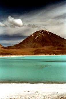 Laguna Verde (derrière, c'est le volcan Licancabur, puis le Chili) le plus bel endroit du monde