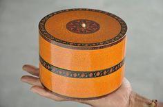 Old Wooden Handcrafted Fine Spray Design Kumkum Powder Box