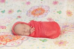 Photo copyright Kimberly G Photography - This video demonstrates how she uses a cheesecloth wrap to wrap her babies - This is pretty much exactly what I was looking for :D