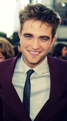 Twilights favorite vampire, Robert Pattinson