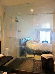 Hotel Secreto: Bedroom, just beyond the shower.