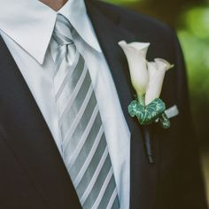 #boutonniere  Photography: Amy and Stuart Photogrpahy - amyandstuart.com Planning: Samantha Scott Events - samanthascottevents.com Floral Design: Brad Austin - bradaustin.com  Read More: http://www.stylemepretty.com/2012/09/20/la-wedding-at-hotel-bel-air-from-amy-and-stuart-photography/