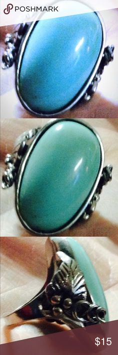 🎉NEW LISTING Large index finger turquoise ring 9 🎉NEW LISTING very cool large size 9ish I wore on index finger it fit great and looked fab with other turquoise jewelry unfortunetly.....maybe fortunately lol I have lost weight & none of my rings fit & resizing my collection is far to overwhelming letting some items go. My loss your gain 🎉🎉🎉🎉🎉🎉OFFERS ACCEPTED🎉🎉☀️☀️☀️☀️GREAT BUNDLE DISCOUNT☀️☀️☀️ Jewelry Rings