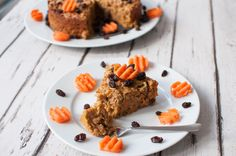 Clean eating carrot cake recipe made with wholesome ingredients, making you  feel good from the inside and from the outside. #cleaneating #vegan #vegetarian