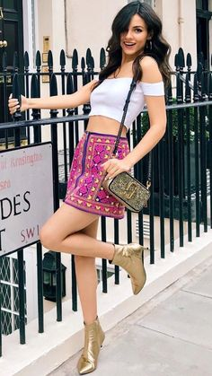 Victoria justice is perfection Victoria Justice Outfits, Victoria Justice Style, Vicky Justice, Actrices Sexy, Girl Outfits, Fashion Outfits, Fashion Hair, Hot Brunette, Beautiful Celebrities