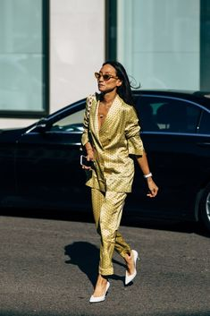 The Street Style at London Fashion Week Is So Good, It'll Inspire You For Months to Come Photo of Day 4 Street Style Chic, Street Style Outfits, Look Fashion, High Fashion, Womens Fashion, Milan Fashion, Indian Fashion, Street Fashion, Trendy Outfits