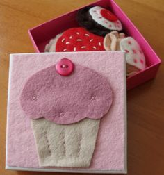 Felt play cakes in gift basket or box £5.00
