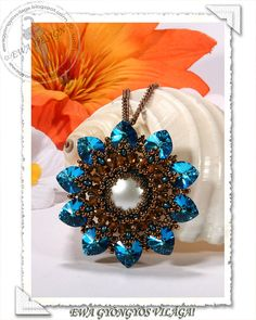 This tutorial will teach you how to make Lorell pendant. You will receive PDF file with step by step photos. Language : This pattern is made with
