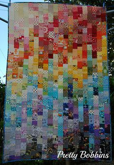 rainbow top by Pretty Bobbins, via Flickr Mother of all I spy quilts!