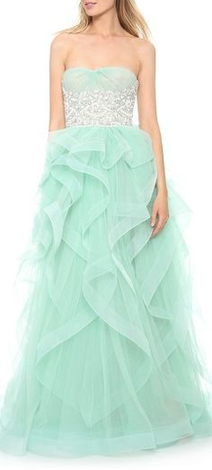 such a lovely tulle dress  http://rstyle.me/n/jhfvdpdpe