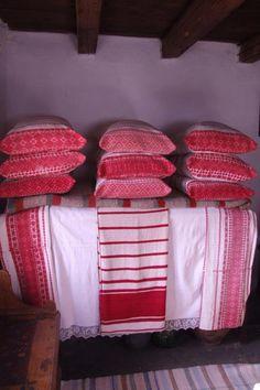 Lövéte, Tájház Hungarian textiles