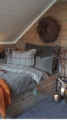 Farm Bedroom, Rustic Master Bedroom, Home Bedroom, Secret Rooms, Cottage Interiors, House In The Woods, New Homes, House Design, Interior Design