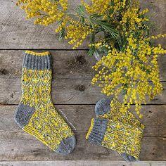 Ravelry: vikkyzm's Country socks
