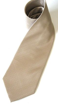 tan tie herringbone pattern