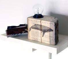 """Tischlampe """"Buckewal"""" aus Treibholz mit Motivdruck / lamp made of drift wood, whale print by Wohnkultur-Berndt via DaWanda.com"""
