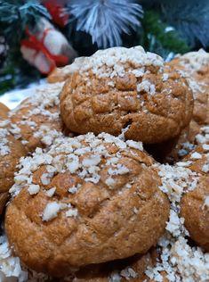 """Νόστιμη συνταγή μαγειρικής από """"Μαρινα Μισαηλιδου -ΟΙ ΧΡΥΣΟΧΕΡΕΣ / ΗΔΕΣ"""" ΥΛΙΚΑ 1 φλ. ελαιόλαδο (200 ml) 3/4 του φλ. χυμό πορτοκάλι 1/2 κούπα ζαχαρη+1 κ.σ. μέλι 1/2 φλ. του ελληνικού καφέ κονιάκ 1 κ.γ. κανέλα 3/4 κ.γ. γαρύφαλλο Ξύσμα από"""