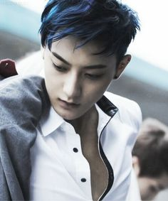 Tao with blue hair Taurus Personality, Tao Exo, Huang Zi Tao, Hip Hop And R&b, Kung Fu Panda, Exo Members, Flower Boys, Asian Men, Asian Guys
