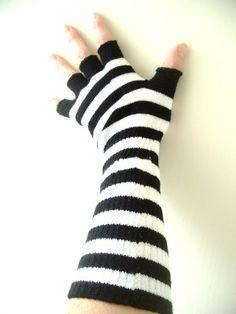 Striped Fingerless Knit Black White Hobo Gloves One Size Emo Punk Scene NWT