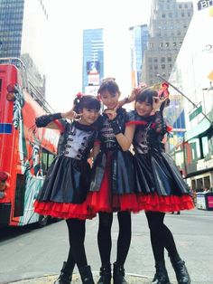 @BABYMETAL_JAPAN  Hi! BABYMETAL in NY! We love this city!