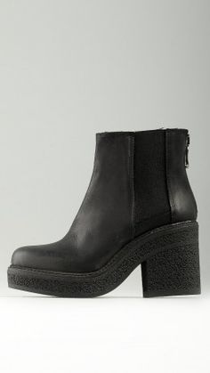 Back zip fastener ankle boots