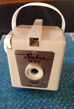 Fabulous Vintage Sabre 620 Camera in a Putty Tan Color by Giddies