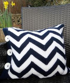 Long before the trendy zigzag became popular in home decor and fashion, we knitters were using chevron knitting patterns. Now that the trend is taking off, we have even more knitting patterns to choose from. Need proof? Incorporate the trend into your stitches with these chevron knitting patterns from our talented Craftsy designers.