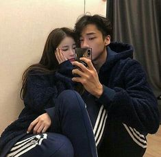 Image about girl in 🌙 ulzzang couples🌙 by 𝓵𝓾𝓷𝓪