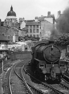 """LNER at Weekday Cross Junction High Level Branch, Nottingham in the Great Central and Nottingham Victoria era. """"See these fascinating photos of a lost era when Nottingham was a great railway hub - Nottinghamshire Live"""" Steam Trains Uk, Old Steam Train, Abandoned Amusement Parks, Abandoned Places, Abandoned Castles, Abandoned Mansions, Old Trains, Vintage Trains, Nottingham City"""
