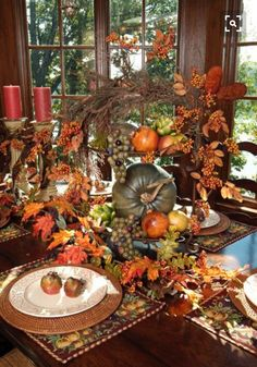 Gorgeous centerpiece for Thanksgiving table