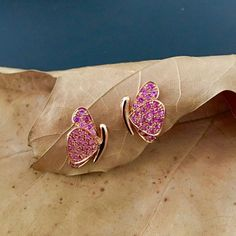 Butterfly Earrings in Pink Sapphires (0.68 ct). 18K Rose Gold Earrings