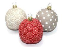 Weihnachtskugeln Kugeln rot creme Punkte