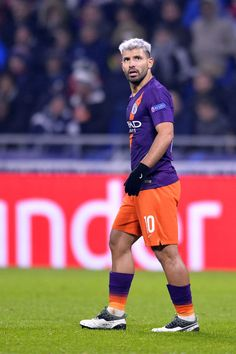 Sergio Aguero of Manchester City looks on during the Group F match of the UEFA Champions League between Olympique Lyonnais and Manchester City at Groupama Stadium on November 2018 in Lyon, France. Get premium, high resolution news photos at Getty Images Messi And Ronaldo, Cristiano Ronaldo, Sergio Aguero, Kun Aguero, Football Boys, Gareth Bale, Sports Stars, Uefa Champions League, Sport Man