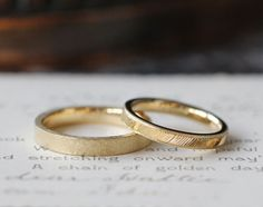 ゴールドでお仕立てした結婚指輪(オーダーメイド/手作り) [marriage,wedding,ring,bridal,K18,gold,マリッジリング] Engagement Rings Couple, Couple Rings, Beautiful Rings, Marriage, Silver Rings, Wedding Rings, Jewels, Sterling Silver, Bridal
