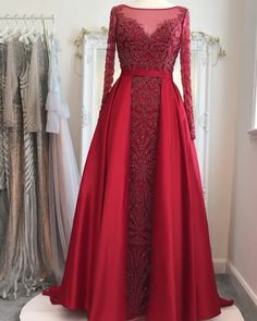 Beaded Evening Gowns, Evening Gowns With Sleeves, Glamorous Evening Gowns, Ball Gowns Evening, Red Evening Dresses, Party Wear Evening Gowns, Designer Evening Gowns, Indian Gowns Dresses, Indian Fashion Dresses