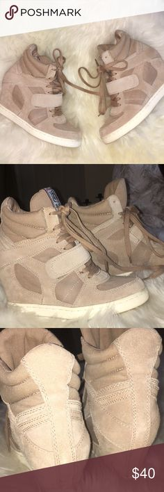 ASH WEDGE SNEAKERS  ISABEL MARANT LOOK 👀 LIKES GREAT 👍 SHAPE!! So cute and extremely comfortable!! I thought they may feel bulky but very light and Fun!!! Make your legs look 👀 amazing 😉!! Great neutral beige tan color. Not to dark or too light. Perfect !!!  These ARE 39,, I wear an 8 and they fit nicely. Know your size ASH Shoes Sneakers