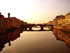 Vista Ponte Vecchio, via Flickr.http://www.flickr.com/photos/pankcho/279609485/